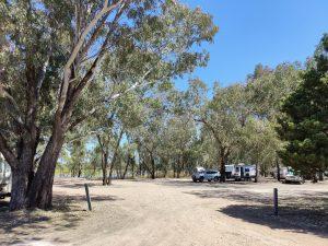 chinchilla weir free camp